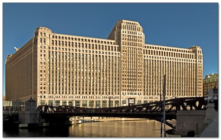 The iconic Merchandise Mart on the Chicago River